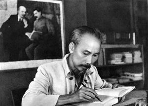 Hồ Chí Minh lựa chọn con đường cách mạng Việt Nam theo gương Cách mạng Tháng Mười