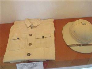 """""""Lịch sử"""" ba bộ quần áo của Bác"""