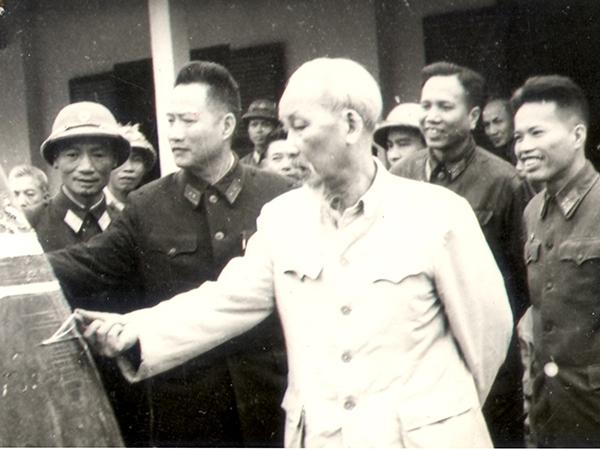 Di chúc Chủ tịch Hồ Chí Minh về vấn đề củng cố quốc phòng và ý nghĩa trong xây dựng nền quốc phòng toàn dân hiện nay