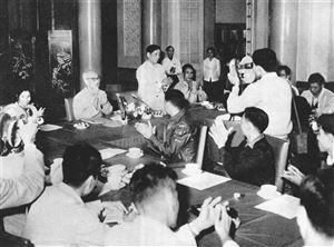 Tư tưởng Hồ Chí Minh về tinh giản, kiện toàn bộ máy gắn với sửa đổi phong cách, lề lối làm việc của cán bộ