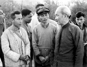 """Quan điểm của Chủ tịch Hồ Chí Minh về """"học đi đôi với hành"""" và vận dụng trong đào tạo, bồi dưỡng lý luận cho cán bộ"""
