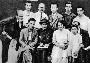 Từ góc độ văn hóa nhận thức về sự lựa chọn con đường Cách mạng Tháng Mười của Hồ Chí Minh