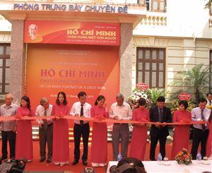 """Bảo tàng Lịch sử quốc gia tổ chức khai mạc Trưng bày """"Hồ Chí Minh - Chân dung một con người"""""""