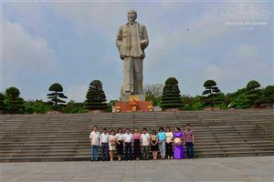 Đoàn cán bộ Bảo tàng Hồ Chí Minh thăm và làm việc tại Quảng trường Hồ Chí Minh, Khu di tích Kim Liên