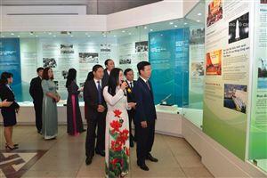 """Khai mạc trưng bày chuyên đề: """"Tự hào 90 năm Đảng Cộng sản Việt Nam - Một chặng đường vẻ vang"""""""