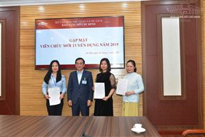 Bảo tàng Hồ Chí Minh gặp mặt viên chức mới tuyển dụng năm 2019