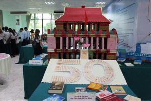 """Bảo tàng Hồ Chí Minh – Chi nhánh Thành phố Hồ Chí Minh phối hợp tổ chức triển lãm sách với chủ đề: """"Kỷ niệm 50 năm thực hiện di chúc của Chủ tịch Hồ Chí Minh (1969 – 2019)"""