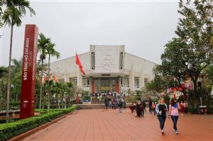 Bảo tàng Hồ Chí Minh đón gần 16.000 du khách tham quan dịp Tết Kỷ Hợi 2019