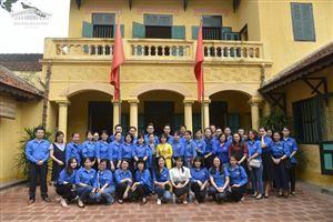 Đoàn cơ sở Bảo tàng Hồ Chí Minh tham quan Nhà lưu niệm Chủ tịch Hồ Chí Minh tại làng Vạn Phúc, Hà Đông
