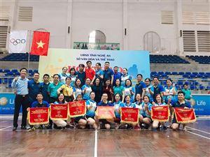 Cán bộ Khu di tích Kim Liên hưởng ứng Ngày Thể dục Thể thao Việt Nam