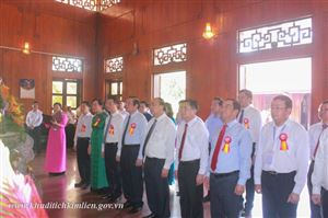 Thủ tướng Nguyễn Xuân Phúc về thăm Khu di tích Kim Liên và dự Lễ phát hành đặc biệt Bộ tem về Chủ tịch Hồ Chí Minh