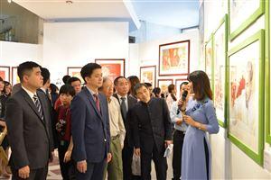"""Họp báo và khai mạc Trưng bày chuyên đề """"Chân dung Hồ Chí Minh – Góc nhìn từ tranh cổ động. (1969 – 2011)"""""""