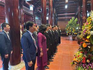 Nhiều đoàn đại biểu dâng hương tưởng niệm Chủ tịch Hồ Chí Minh tại Khu di tích Kim Liên trong ngày thành lập Đảng (03.02.1930 – 03.02.2021)