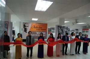 """Bảo tàng Hồ Chí Minh Thừa Thiên Huế tổ chức triển lãm lưu động chủ đề """"Hồ Chí Minh – Những nét phác họa chân dung"""" tại trường Đại học Sư phạm, Đại học Huế"""