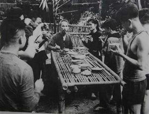 Bữa cơm kháng chiến