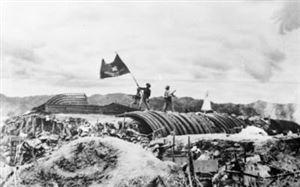 Việt Nam - Hồ Chí Minh - Điện Biên Phủ: Một khối thống nhất, bền chặt