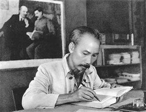 Hồ Chí Minh đến với V.L.Lênin