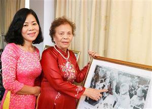 Chuyện kể về nữ anh hùng Quảng Bình hai lần được gặp Bác Hồ