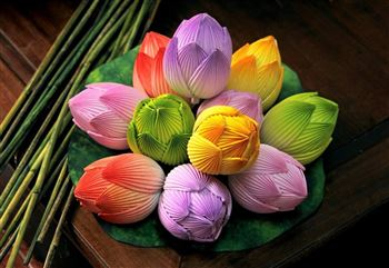 Sản phẩm hoa Sen giấy của nghệ nhân Thân Văn Huy