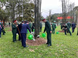 Bộ Tư lệnh Quân khu IV tổ chức trồng cây tại Khu di tích Kim Liên