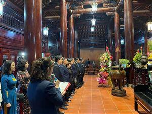 Đồng chí Vương Đình Huệ - Ủy viên Bộ chính trị, Chủ tịch Quốc Hội về thăm Khu di tích Kim Liên
