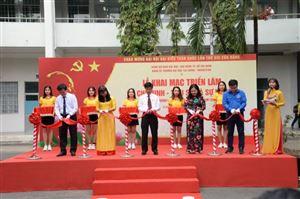 """Khai mạc triển lãm các chuyên đề: """"Hồ Chí Minh – Tiểu sử và sự nghiệp""""; """"Bác Hồ với thanh niên Việt Nam"""" tại Trường Đại học Tài chính - Marketing"""