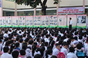 """Bảo tàng Hồ Chí Minh – chi nhánh Thành phố Hồ Chí Minh tổ chức triển lãm chuyên đề: """"Bác Hồ với thiếu nhi"""" tại trường Tiểu học Âu Dương Lân, Quận 8, Thành phố Hồ Chí Minh."""