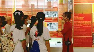 Công ty cổ phần đào tạo VietFuture tổ chức tham quan, trải nghiệm thực tế tại Bảo tàng Hồ Chí Minh