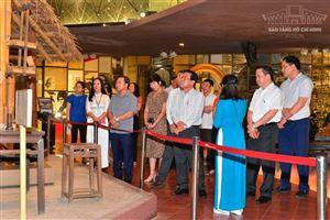 Đoàn đại biểu Ban Dân nguyện, Uỷ ban Thường vụ Quốc hội tham quan Bảo tàng Hồ Chí Minh