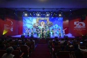 """Lễ kỷ niệm 50 năm thành lập Bảo tàng Hồ Chí Minh """"CHẠM DÒNG LỊCH SỬ"""""""