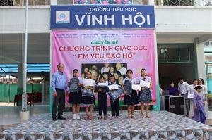 Bảo tàng Hồ Chí Minh – chi nhánh Thành phố Hồ Chí Minh tổ chức triển lãm lưu động tại Trường tiểu học Vĩnh Hội, Quận 4