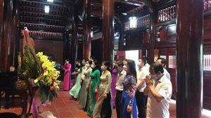 Đoàn đại biểu Ngành Văn hóa, Thể thao Nghệ An dâng hương, dâng hoa tưởng niệm Chủ tịch Hồ Chí Minh