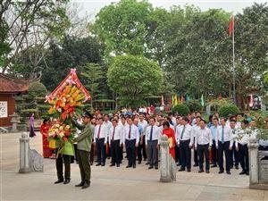 Đảng ủy khối các cơ quan Trung ương báo công dâng Bác tại Khu di tích Kim Liên