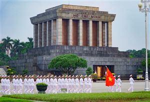 Ban quản lý Lăng Chủ tịch Hồ Chí Minh thông báo tiếp tục tổ chức tham quan khu vực Lăng ngoài thời gian tổ chức lễ viếng