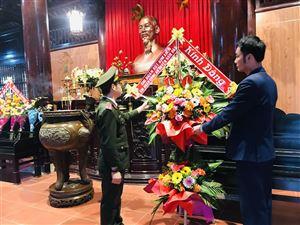 Dâng hương tưởng niệm Chủ tịch Hồ Chí Minh nhân kỷ niệm 80 năm Bác Hồ về nước