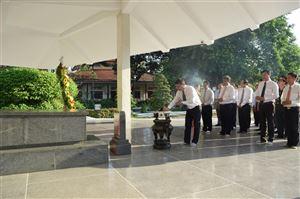 Hơn 4900 lượt khách tham quan Khu Di tích Nguyễn Sinh Sắc trong dịp Lễ 30/4 và Quốc tế lao động 01/5