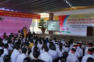 Bảo tàng Hồ Chí Minh Thừa Thiên Huế phối hợp tổ chức tuyên truyền lưu động giới thiệu về thân thế - sự nghiệp của Chủ tịch Hồ Chí Minh