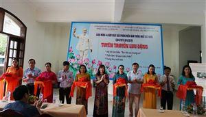 Bảo tàng Hồ Chí Minh chi nhánh Thừa Thiên Huế Tuyên truyền và triển lãm lưu động về thân thế - sự nghiệp Chủ tịch Hồ Chí Minh tại thị xã Hương Trà