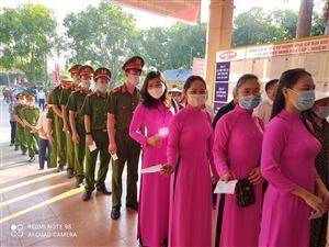 Cán bộ, viên chức Khu di tích Kim Liên tham gia bỏ phiếu bầu cử đại biểu Quốc hội khóa XV và Hội đồng nhân dân các cấp nhiệm kỳ 2021-2026