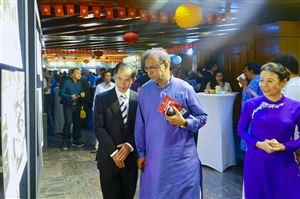 """Triển lãm ảnh """"Dấu ấn Chủ tịch Hồ Chí Minh"""" tại Bangladesh"""