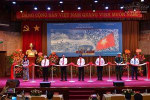 [Ảnh] Trưng bày chuyên đề: Việt Nam - Độc lập - Tự cường